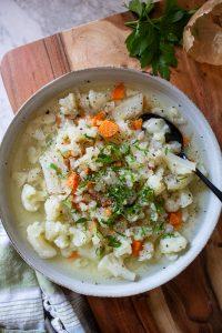 Romanian Cauliflower Soup